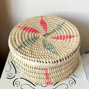 Beautiful large vintage woven basket box with lid